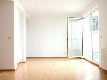 Gemütliche 3-Zimmer-Dachgeschoßwohnung mit RUHIGER TERRASSE - Nähe BRUNNENMARKT
