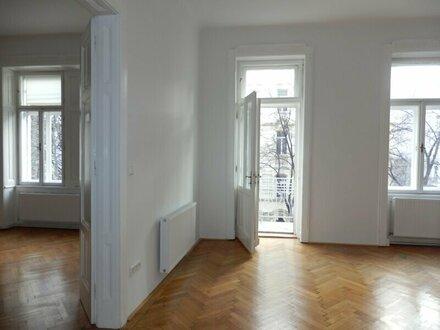 Wunderbare 3,5 Zimmer Balkon-Wohnung mit einzigartigem Altbauflair !!