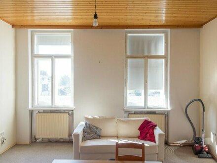 Ruhige und HELL, Zwei- Zimmer Altbauwohnung! Nähe FH Technikum und U6 Dresdner Straße, WG-fähig, Studenten willkommen!
