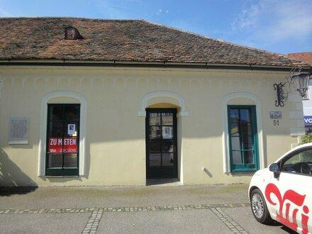 Geschäftslokal mit Schauraum am Dreifaltigkeitsplatz in Gars/Kamp