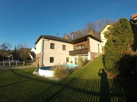 Haus mit 2 Wohneinheiten, Pool & Bunker