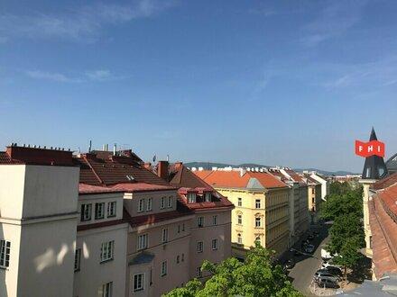 Neu sanierte Dachgeschosswohnung mit Loggia und Fernblick