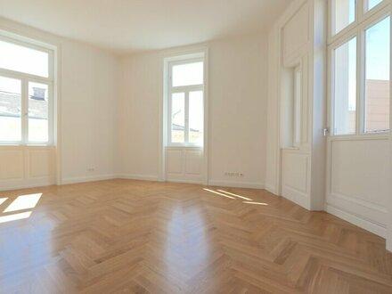 Hochwertig sanierter Altbau-Erstbezug! Helle 4-Zimmer Wohnung im 2. Liftstock