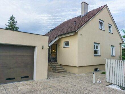 Eckgrundstück! Einfamilienhaus mit traumhaftem Garten und Swimming-Pool zu verkaufen! 300 m zur Wiener Stadtgrenze!