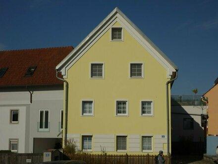 Helle, sehr gemütliche Dachgeschosswohnung