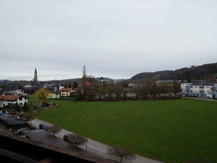 Gepflegte 3 Zi.Whg mit 17qm Balkon und Carport in Mattsee