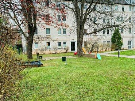 Wohnen beim Schloss Hetzendorf I Großzügige 1 Zimmer Wohnung I Beste Lage