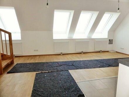 Erstbezug: 96m² Dachwohnung + 14,4m² Terrasse mit Einbauküche - 1090 Wien