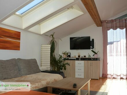 Oben ist's am schönsten! Luftiges Dachetagen-Studio mit Aussichtsbalkon