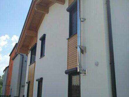 Wohnkomfort auf allen Ebenen! Einfamilienhaus mit Garten Nähe Badeteich