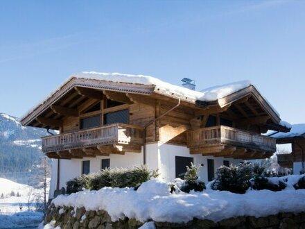 Extravagantes Landhaus im Tiroler Chalet-Stil
