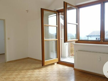 Provisionsfrei ! Dachgeschosswohnung inkl. Heizkosten Top 11