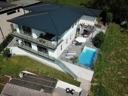 """Lichtdurchflutetes Einfamilienhaus am Sonnenberg """"Design-Highlight in Mondsee"""""""