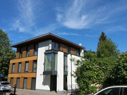 Sonnig gelegene 3,5-Zimmer-Penthouse-Wohnung mit großzügiger Dachterrasse - Nahe Josef-Mayburger-Kai