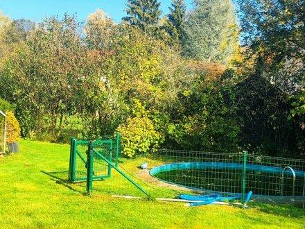 Schlichtes, modernes Wohlfühlhaus mit idyllischem Garten und Pool