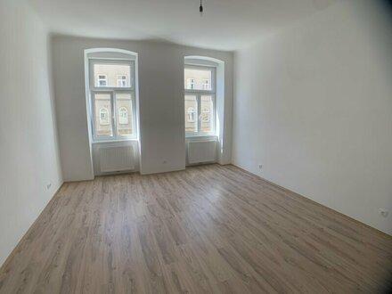 ++NEU++ 1-Zimmer Altbauwohnung mit getrennter Küche in toller Lage!