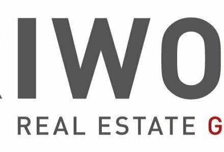 Betriebsobjekt mit Büros, Verkaufsräumen und Hallen