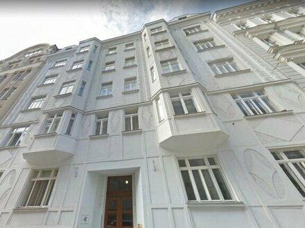 Helle 5 Zimmer DG-Wohnung mit großzügiger Dachterasse
