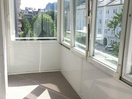 Sehr helle 2-Zimmer-Wohnung in der Schrannengasse mit tollem Ausblick und Loggia