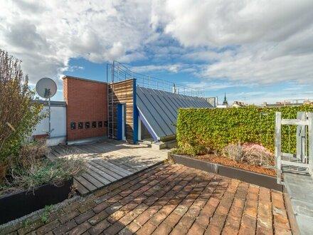 ++NEU++ Außergewöhnliche, renovierungsbedürftige 4-Zimmer Architekten DG-Wohnung, uneinsehbare Terrassen!!