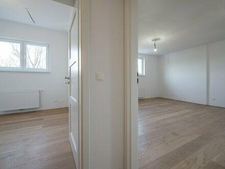 ++PROVISIONSRABATT++ ERSTBEZUG: Kernsanierte DG-Wohnung in Stilvilla! idyllischer Garten! **perfekt für Anleger**
