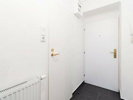 Neusanierte 2-Zimmer- Wohnung mit Loggia! Unbefristet!