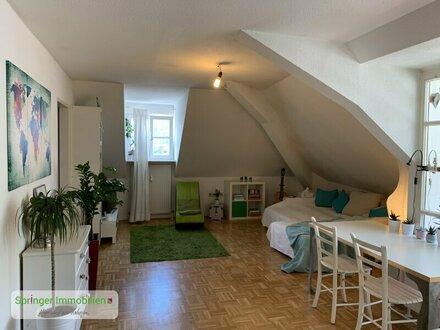 Zentraler geht`s nicht: Schicke 3-Zimmer-Wohnung mit Wintergarten