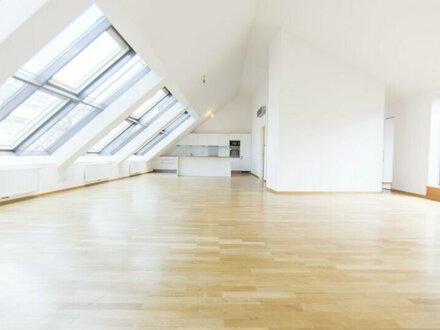 Großzügige DG-Wohnung mit 92 m² Terrasse im Herzen der Innenstadt zu vermieten!