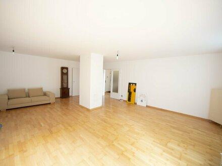 4 Zimmerwohnung im Grünen mit Terrasse und 2 Garagenplätze