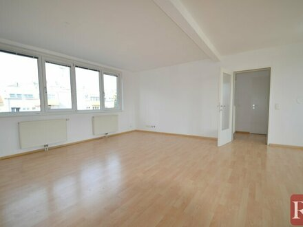 Sonnige 2-Zimmer-Terrassenwohnung im DG zu mieten