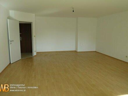 Erstbezug nach Sanierung - sonnige, zentral begehbare 3 Zimmer mit Loggia, perfekter Grundriss!