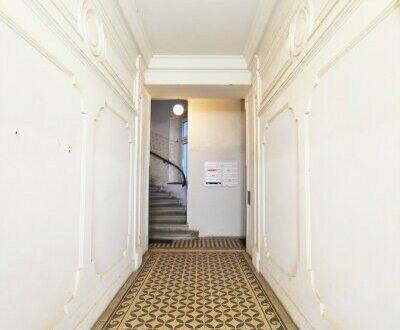 Sanierungsbedürftige Kleinwohnung mit toller Raumaufteilung! Schönes Altbauhaus + TOP-Infrastrauktur + U-Bahn ums Eck! Jetzt…