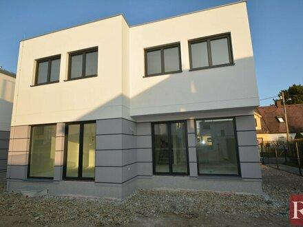Modernes Einfamilienhaus U1 Nähe Provisionsfreier Erstbezug auf Eigengrund