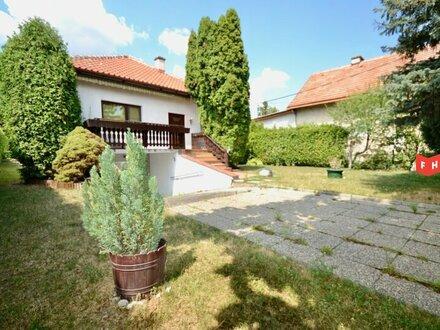 Ebener 1000m² Baugrund mit renovierungsbedürftigem Einfamilienhaus Nähe Baden