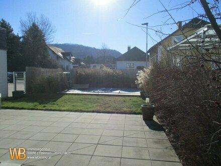 Doppelhaushälfte mit 166m², 6 Zimmer, Garten, Schwimmbad, Garage