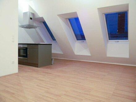 Moderne DG-Wohnung mit Terrasse, inkl. Garage!