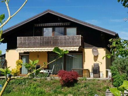 Hier läßt sich`s Wohnen - Eine Stadtrandlage, die es in sich hat - schmückes Einfamilienhaus in absoluter Ruhelage mit Fernblick