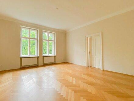 Stilvolle 4-Zimmer-Altbauwohnung mit Terrasse in zentraler Lage