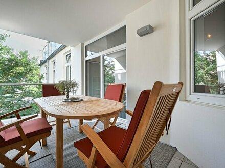 Rarität - Altbauwohnung nächst Naschmarkt mit Loggia und großzügiger Terrasse