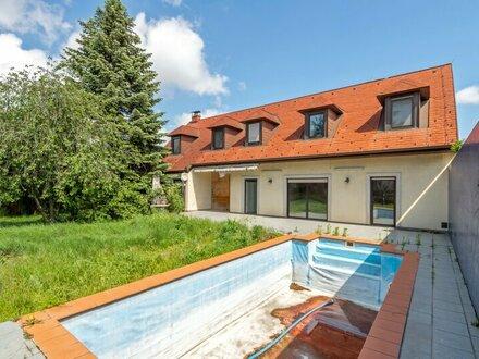 ++NEU++ Rarität, Sanierungsbedürftiges Einfamilienhaus mit großem Garten und Pool!!