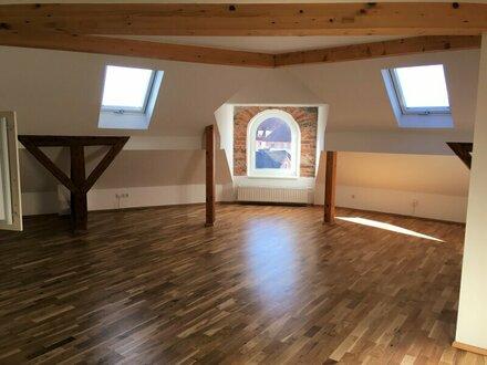 Laakirchen: 65 m² Mietwohnung mit besonderem Flair