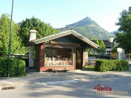 Kleiner Kiosk in Strobl