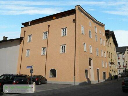 Einziehen und genießen: Noble 3-Zimmer-Wohnung mit Balkon