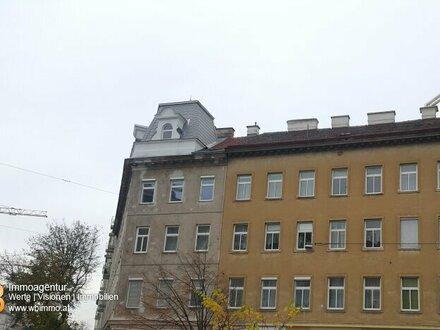 Exklusive 2 Zimmer im DG auf einer Ebene mit Balkon!!