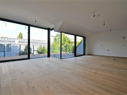 EUM - Dachgeschoß-Juwel auf einer Ebene! 3-Zimmer-Erstbezug mit 2 Terrassen in historischer Liegenschaft!