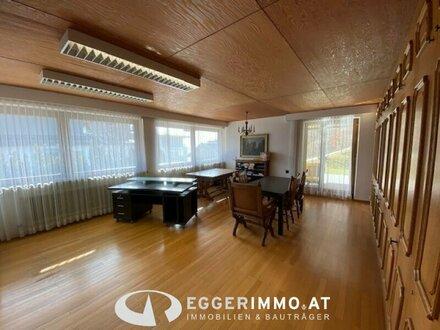 5700 Zell am See: Büroflächen 130m² 5 Zimmer, ideal als Praxis, Kanzlei, oder Büro, helle Räume, sonnig, Terrasse, Teek…