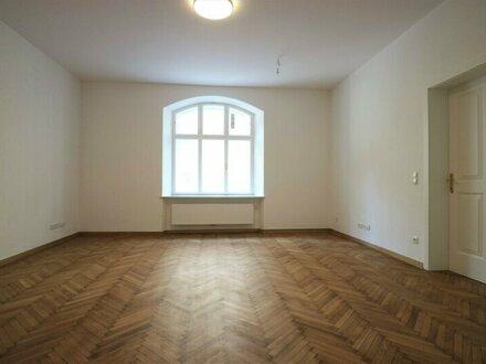 Großzügige und hochwertige 3-Zimmer-Altbau-Wohnung im Andräviertel