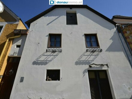 Gut erhaltene historische Immobilie mit Verkaufslokal geeignet für Ferienwohnungen inmitten der Fußgängerzone von Dürns…