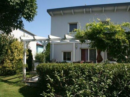 Moderne Doppelhaushälfte in 1220 Wien in Ruhelage