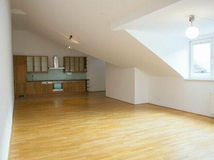 ++NEU++ Dachgeschosswohnung in toller Lage mit ca. 30m² DACHTERRASSE!
